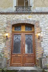 Remplacement d'une porte d'entrée en bois par une porte d'entrée en PVC, porte d'entrée PVC double battant avec imposte fixe cintrée. Réalisation en seine et marne ( 77 )
