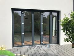 Menuiserie en aluminium FINSTRAL FIN PROJECT, brises soleil orientables GRIESSER 78